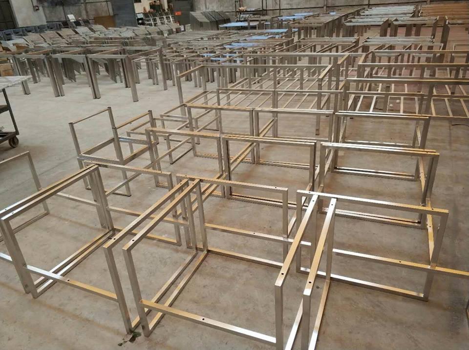 xưởng sản xuất bàn ghế