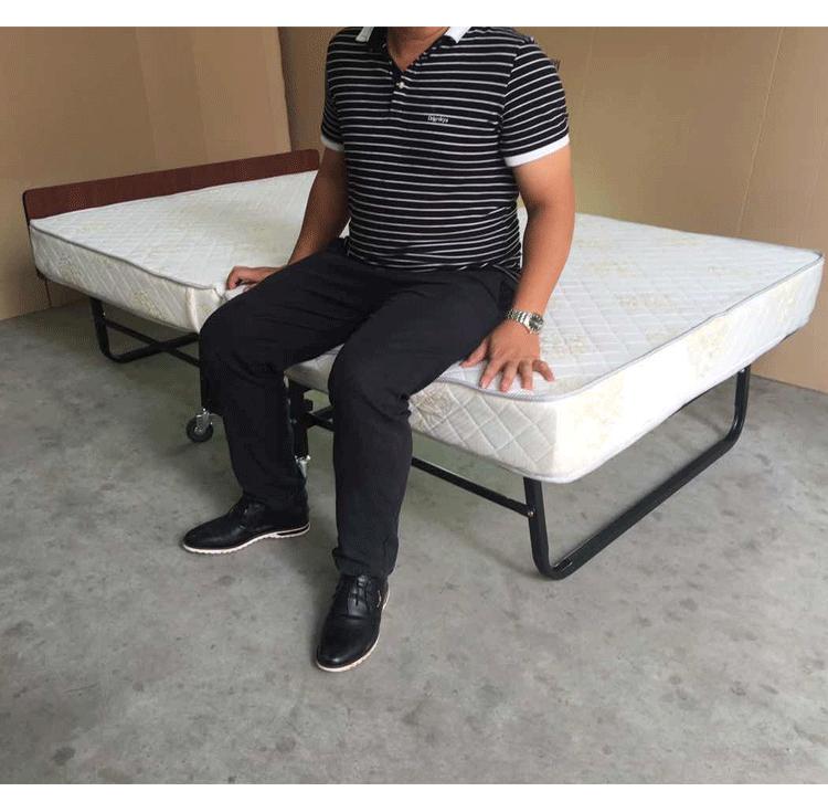 giường xếp chắc chắn
